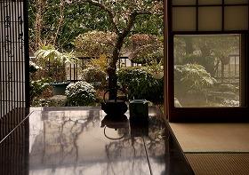 「雪見障子のある和室」橋田洋子